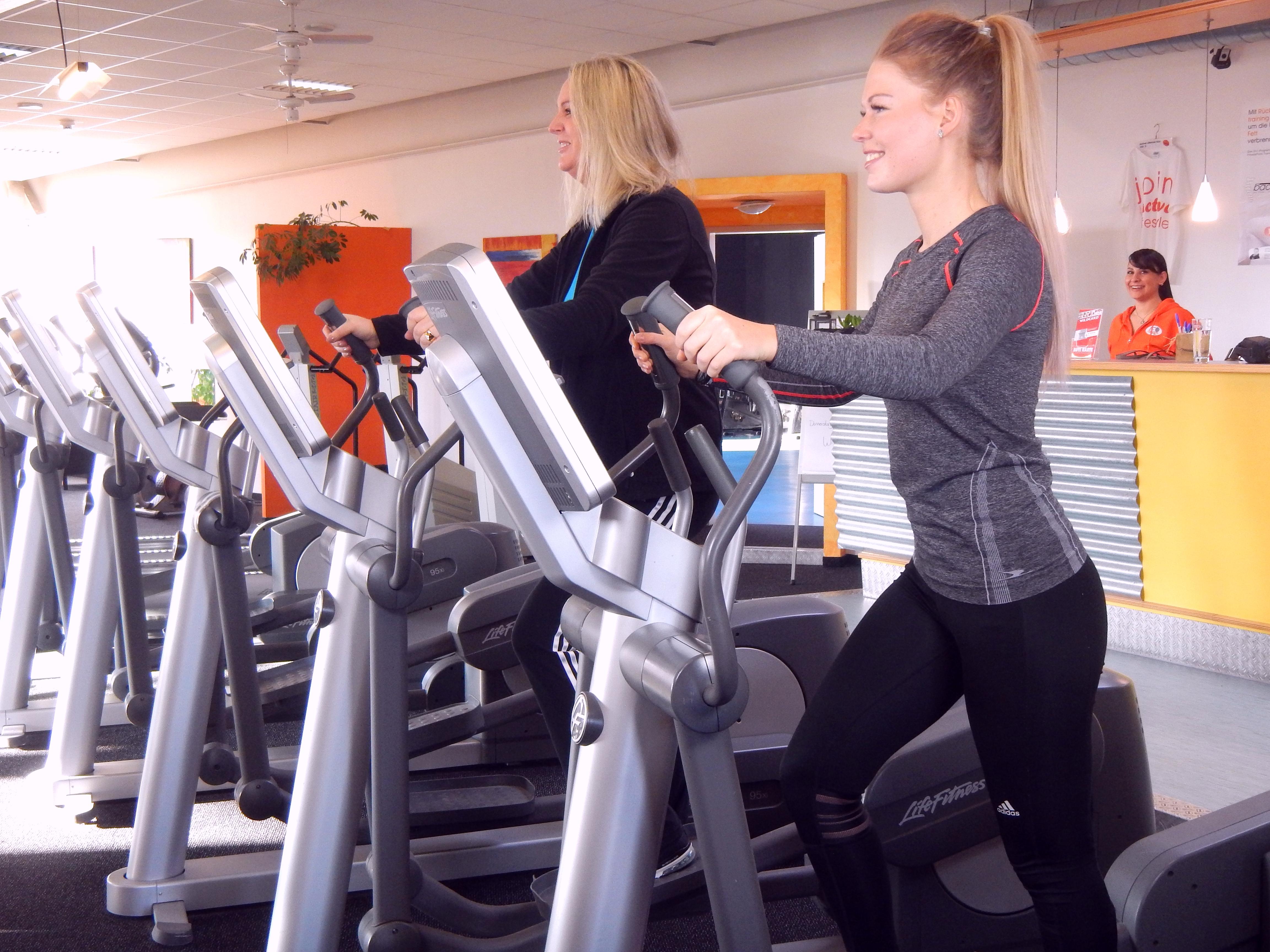 Frauen im fitnessstudio kennenlernen